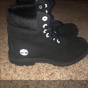 Woman's timberlands size 8